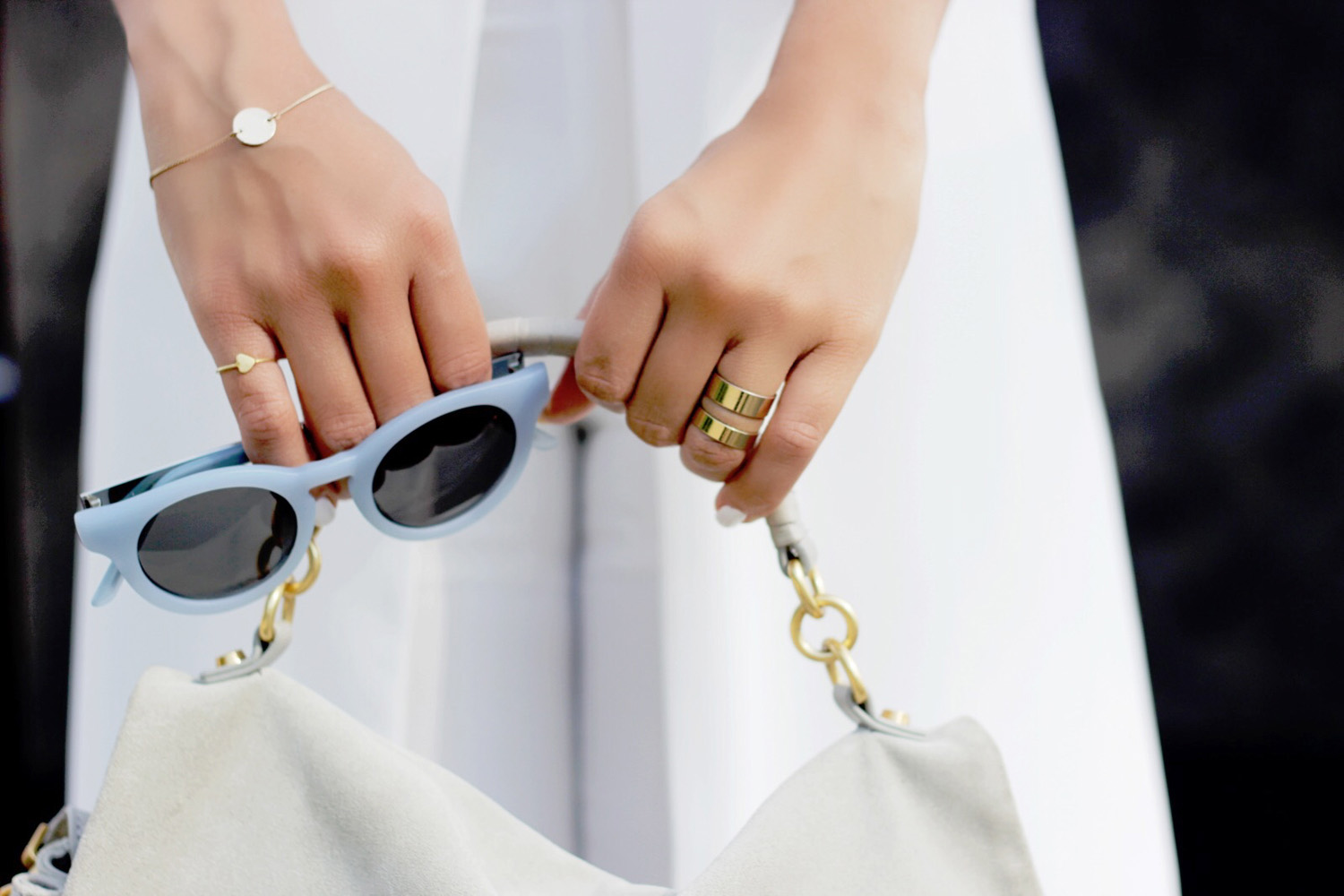fatimayarie-lindafriedrich-jewelry-ring-andotherstories-sunglasses-coccinelle-bag-img_3691