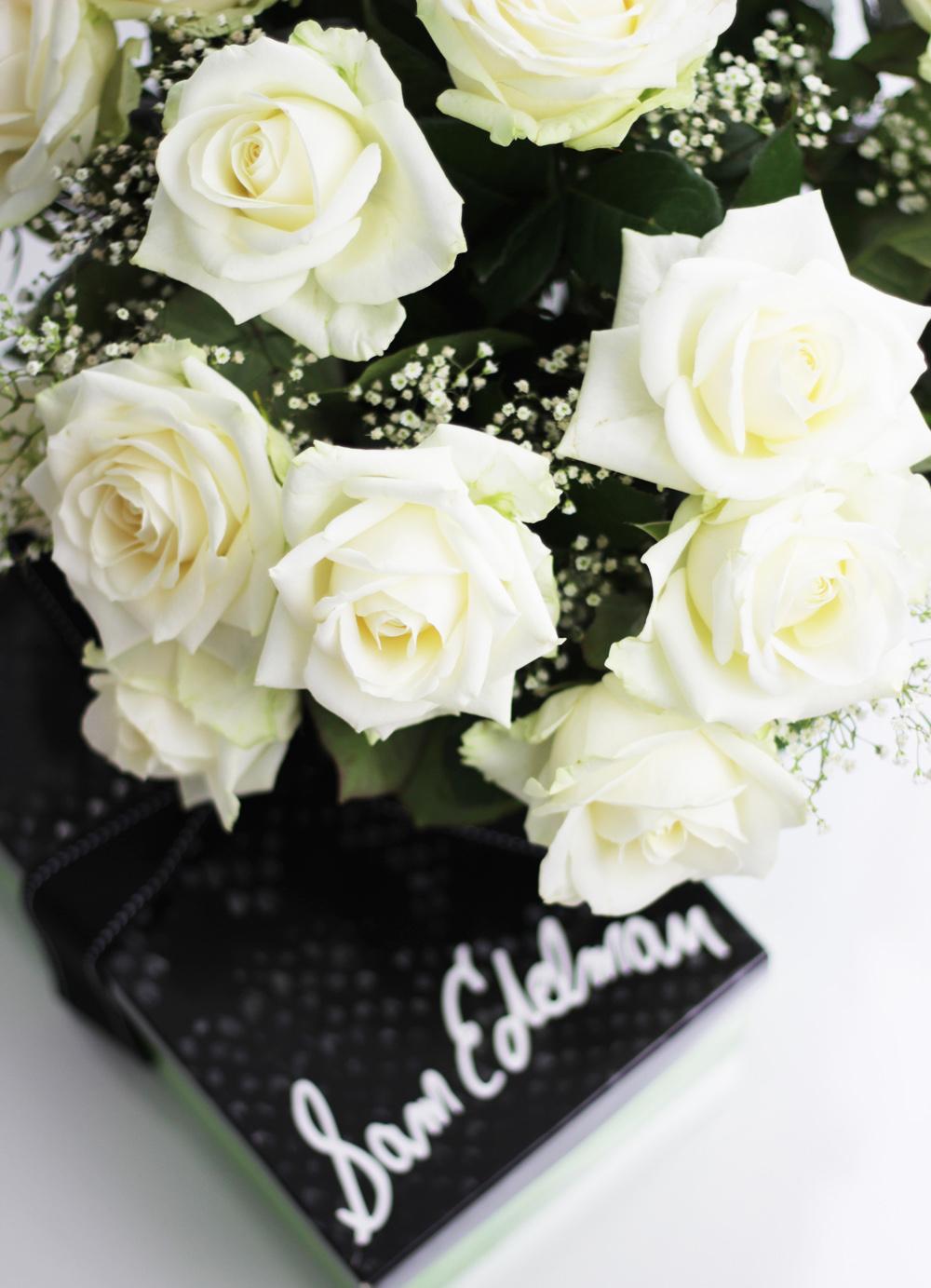 fatimayarie-samedelman-netaporter-whiteroses-flowerbouquet-styleblog-img_5328