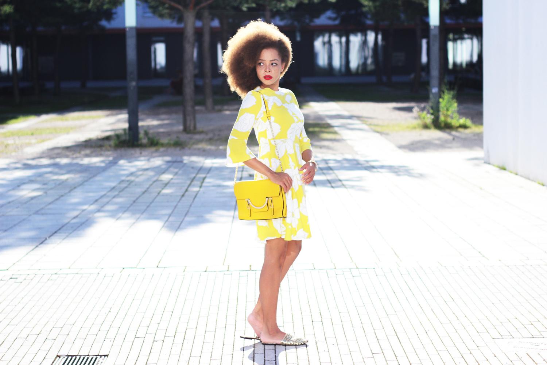 fatimayarie-yellow-dress-afrogirl-coccinelle-bag-styleblogger-img_5152