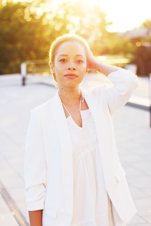 fatimayarie-allwhite-zara-whitedress-whiteblazer-wedding-sunset-embroidereddress-img_9790