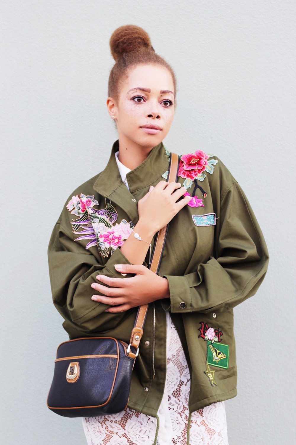 fatimayarie-green-flowers-jacket-embroidered-lancel-whitedress-baroccissima-bracelet-img_4206