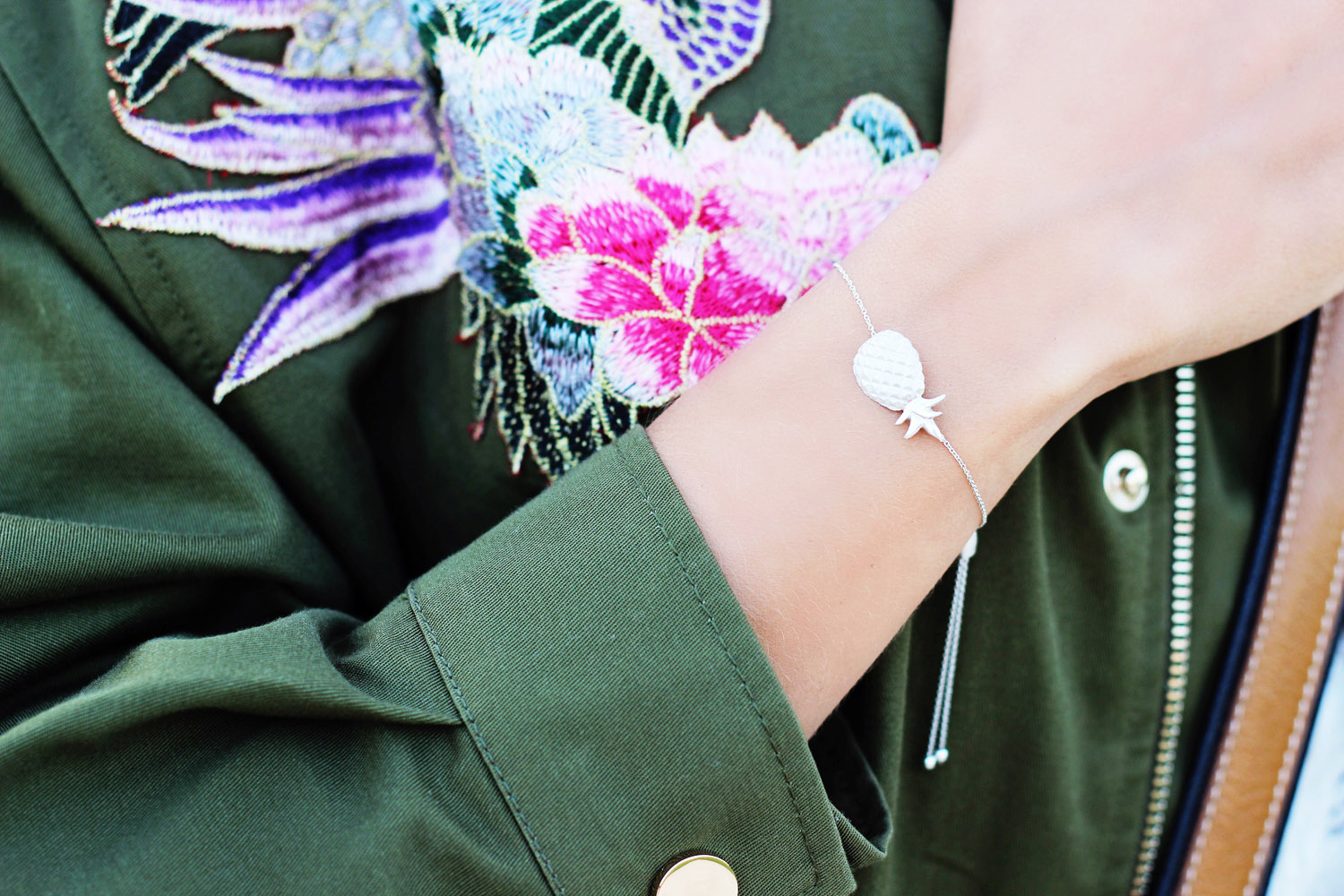 fatimayarie-pineapple-silver-bracelet-baroccissima-jewelry-munich-flowerjacket-munichblogger-mg_4200