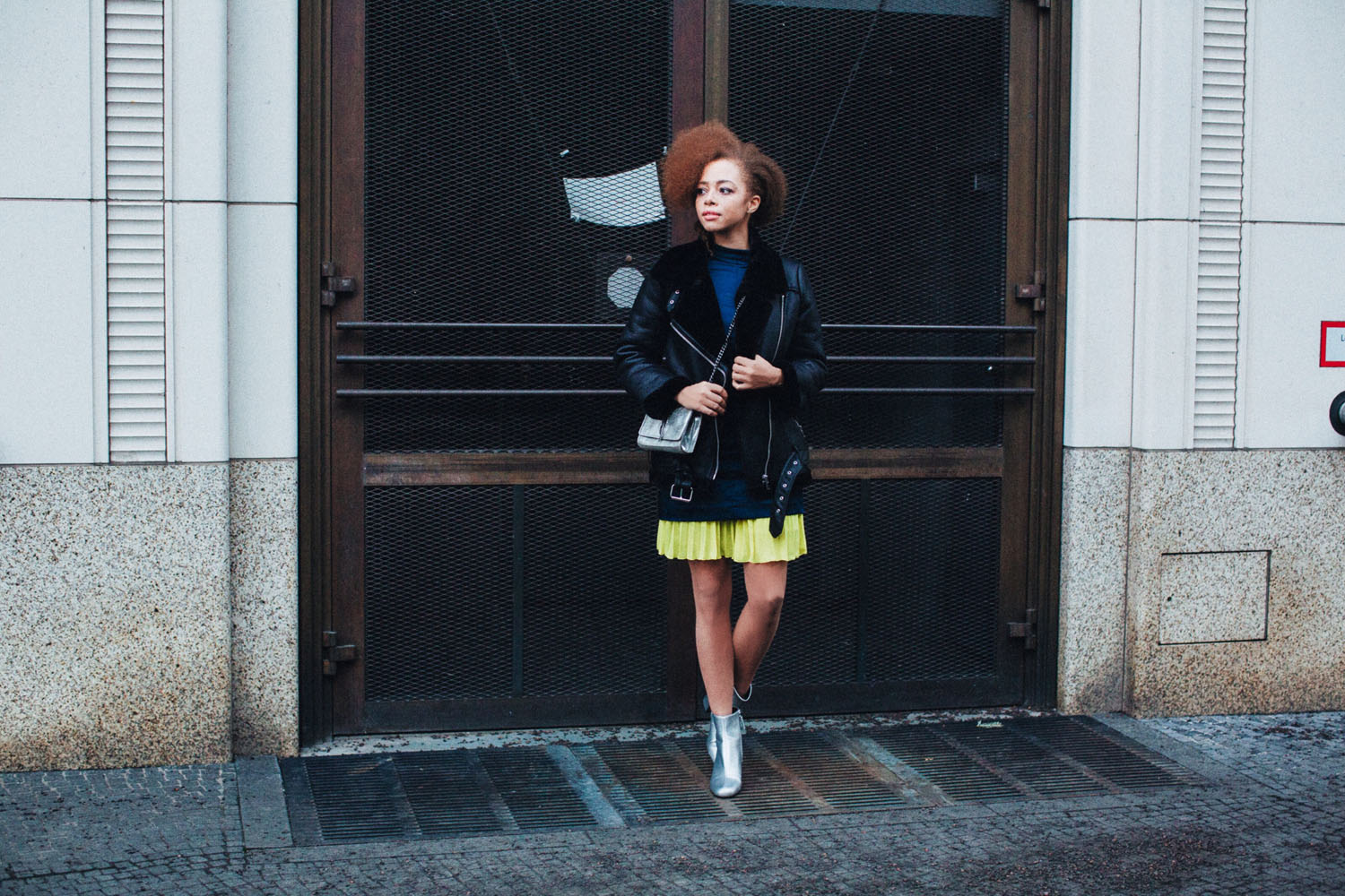 MBFW LOOK | COS Neon Pleated Skirt & ZARA Silver Feather Bag